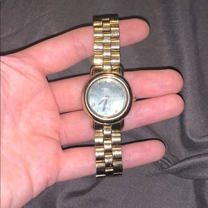 Marc Jacobs, watch resistant gold watch!